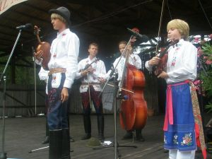 detsky-folklorny-festival-mravenec-2010-14