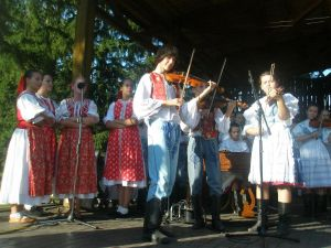 detsky-folklorny-festival-mravenec-2011-15
