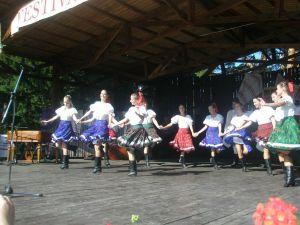 detsky-folklorny-festival-mravenec-2011-7