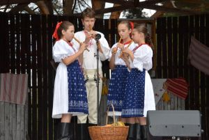 detsky-folklorny-festival-mravenec-2012-6